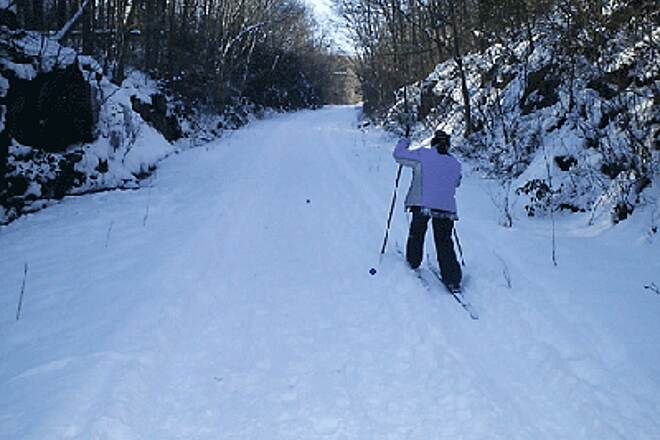 Air Line State Park Trail Through a Cut Winter skiing through a deep cut in East Hampton.