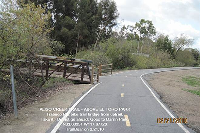 Aliso Creek Riding and Hiking Trail ALISO CREEK TRAIL - ABOVE EL TORO PARK Missing a turn sign at the bridge.  Take the bridge.