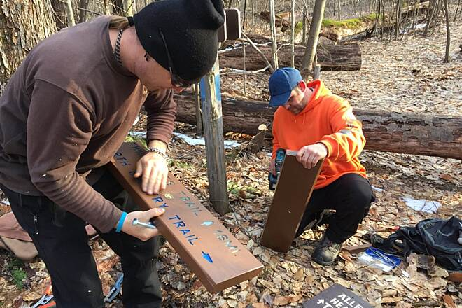 Allegheny National Forest - Twin Lakes Trail Trail Work Replacing old signs along Twin Lakes Trail.