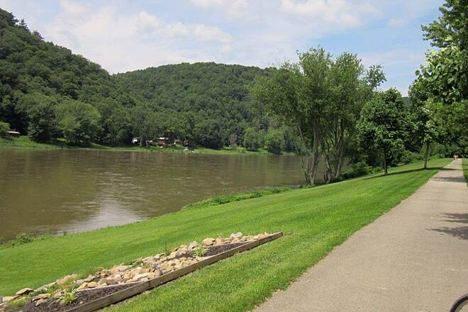 Allegheny River Trail Allegheny River Allegheny River at St. George, July 2015