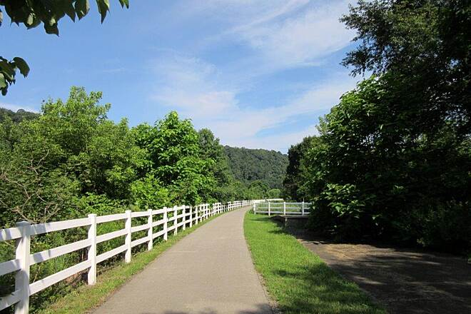 Allegheny River Trail Emlenton Emlenton Trailhead and Parking, July 2015