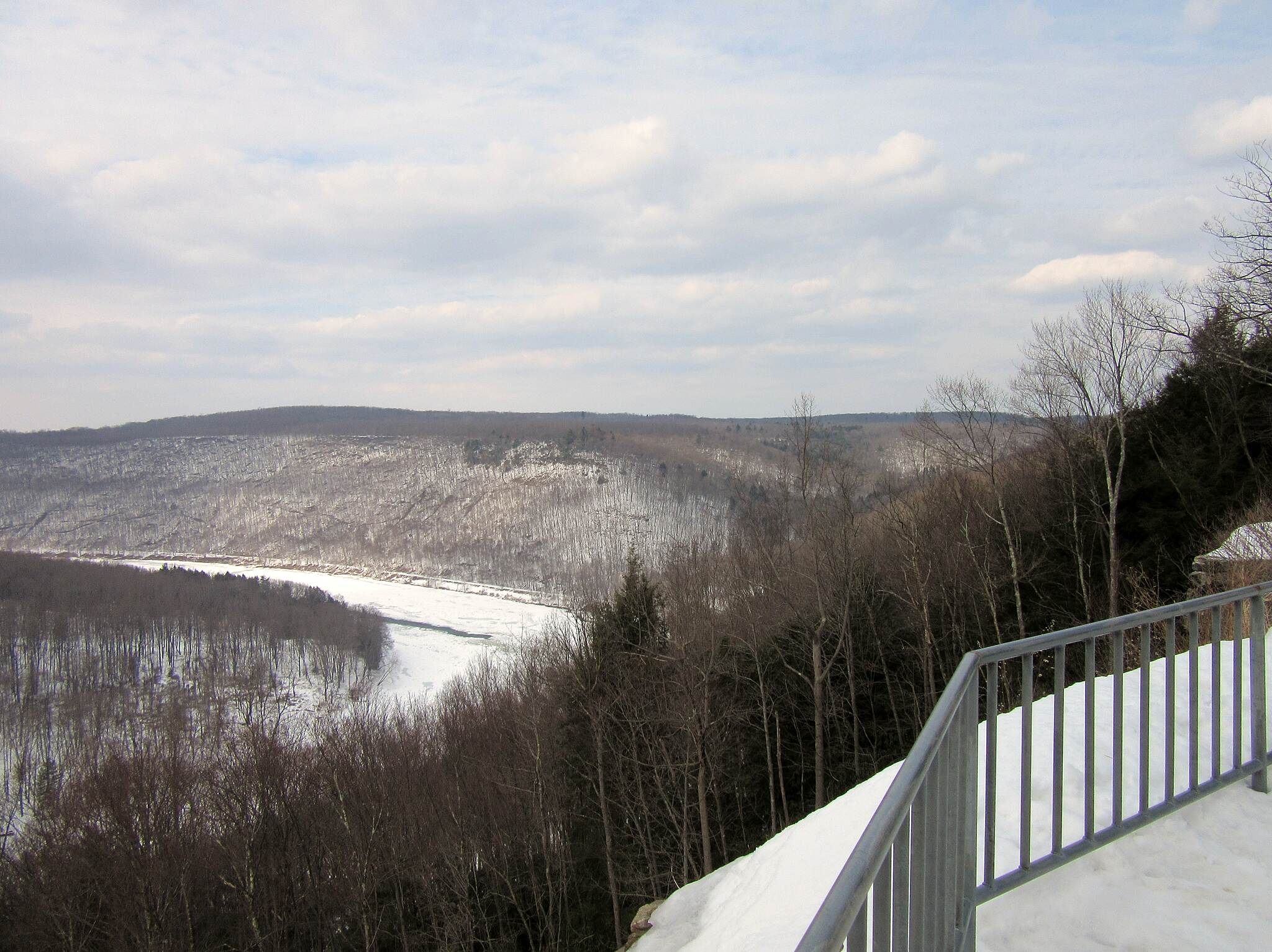 Allegheny River Trail Lookout Kennerdell Lookout, March 2015