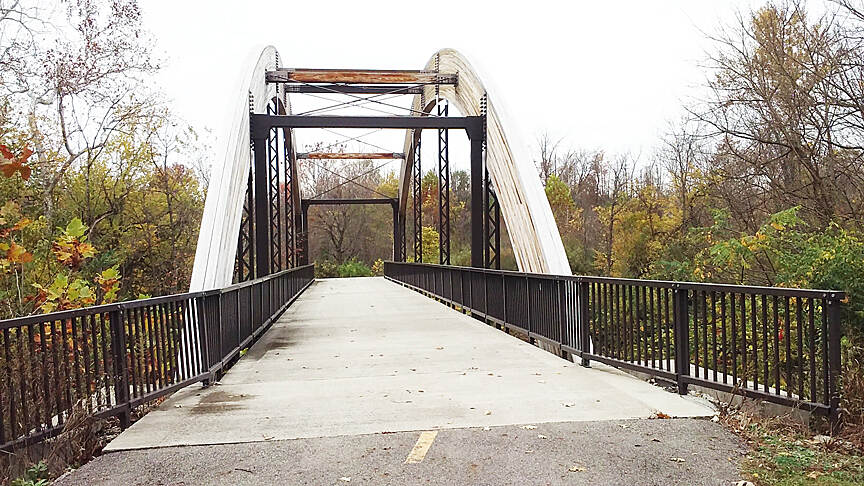 Alum Creek Greenway Trail Northbound Nov 2016 Nelson Park to Westerville, arch bridge over Alum Creek, each arch contains 43 2 X 12 lumber planks