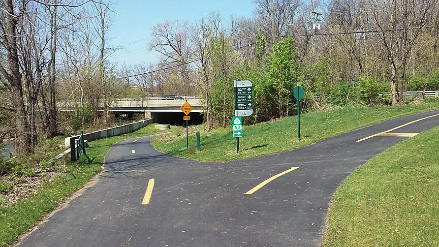 Alum Creek Greenway Trail Northbound Apr 2017 Westerville, the Alum Creek Greenway continues straight North, the Ohio to Erie Trail continues to the right on W Schrock Rd