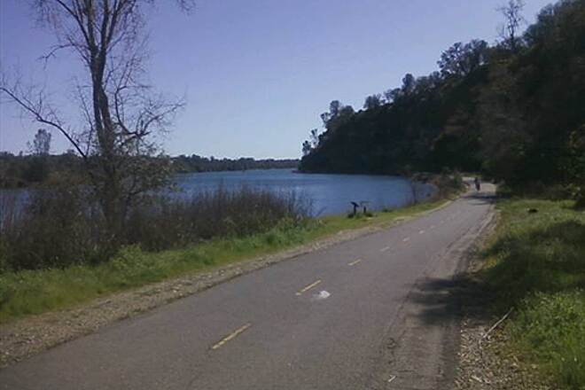 American River Bike Trail (Jedediah Smith Memorial Trail)