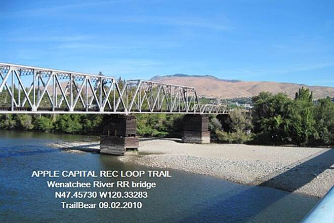 Apple Capital Recreation Loop Trail APPLE CAPITAL RECREATION LOOP TRAIL RR bridge over the Wenatchee River
