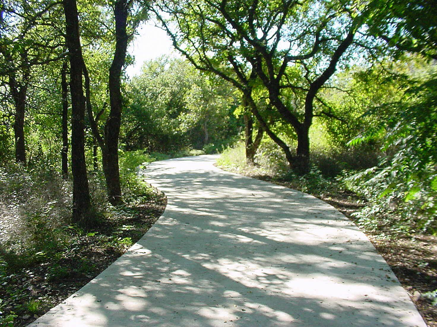 Arbor Hills Trail Trail Photo Photo provided by the City of Plano.