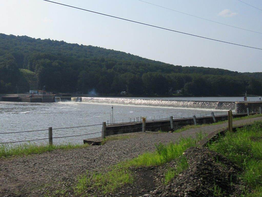 Armstrong Trail Lock#9 Lock #9 on the Allegheny River-July 2015