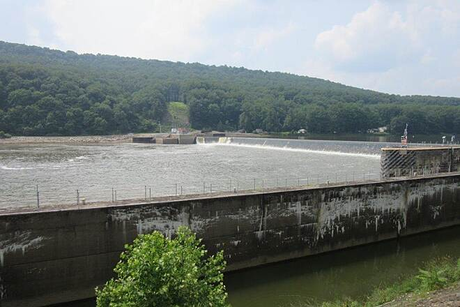 Armstrong Trail Lock #9 Lock# 9 on the Allegheny-July 2015