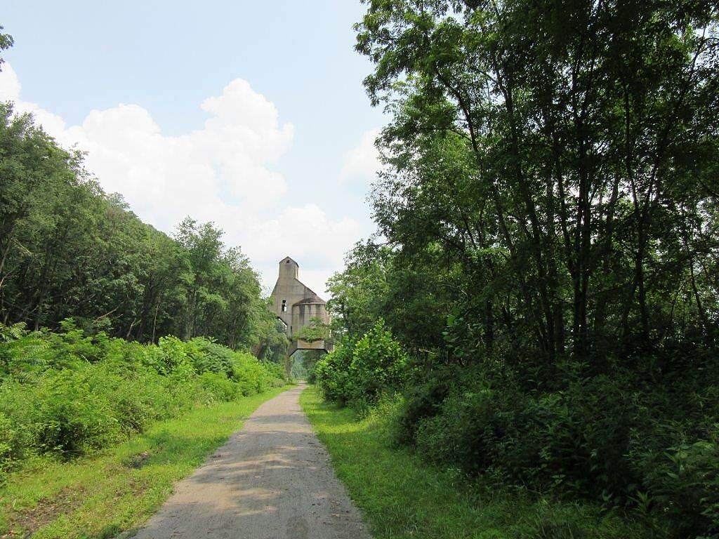 Armstrong Trail Coaling Tower Coaling Tower at Redbank-July 2015