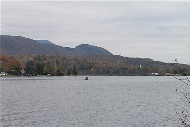 Ashuwillticook Rail Trail Ashuwillticook Trail, Cheshire, MA Cheshire Lake with Mt. Greylock in the background