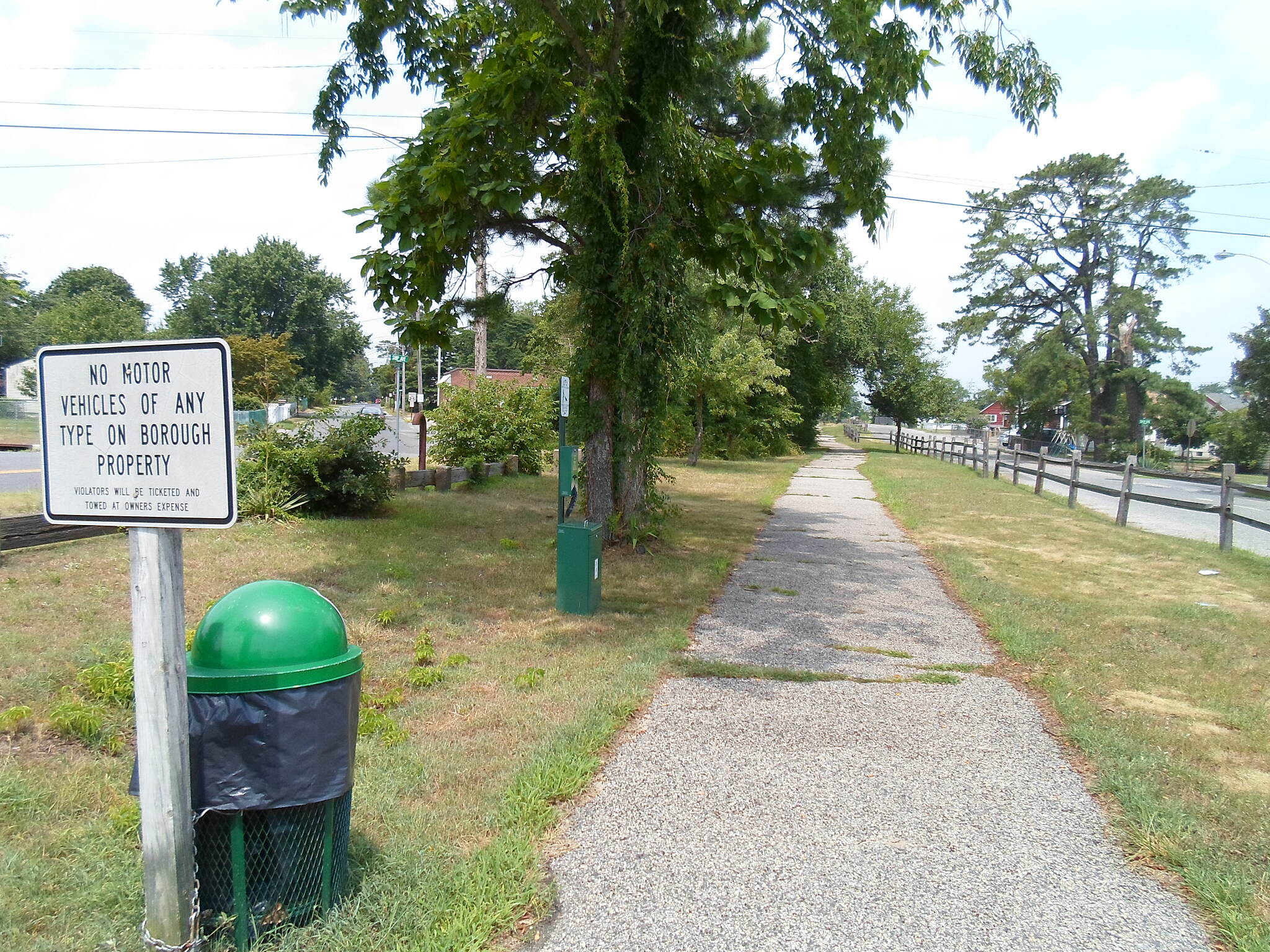Barnegat Branch Trail Beachwood Borough Trail Looking north from Route 9. You can see how this section of the trail needs some maintenance. Cyclists should use caution.