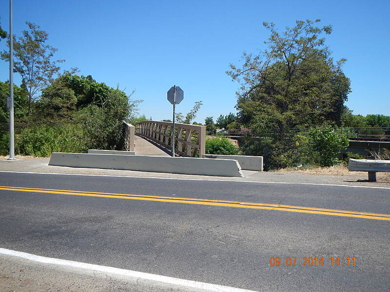 Bear Creek Bikeway Bear Creek Trail Crossing W N Bear Creek Dr and Creek. 9 Jun 14 Noel Keller