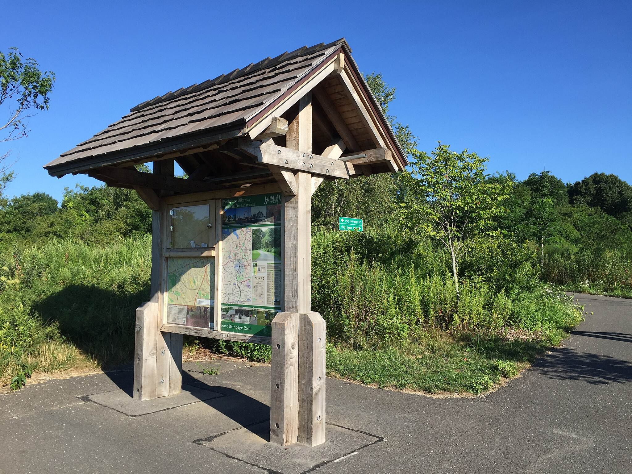 Bethpage Bikeway Informational kiosk Informational kiosk at parking area on E. Bethpage Road, just north of Old Country Road.