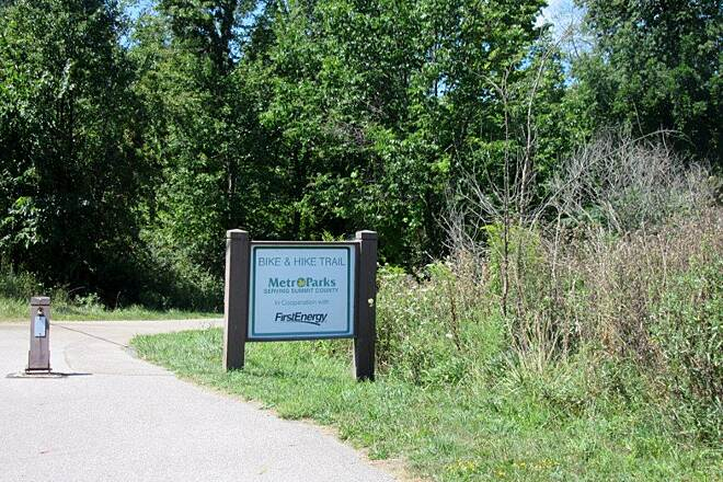 Bike and Hike Trail Trail Sign Trail Sign