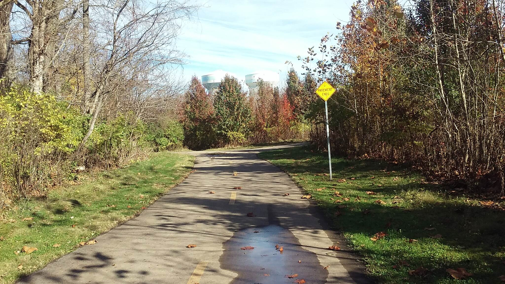 Blacklick Creek Greenway Trail Nov 2015 Northbound, straight to under Refugee Rd, right makes loop around Abbie Lakes Apartments