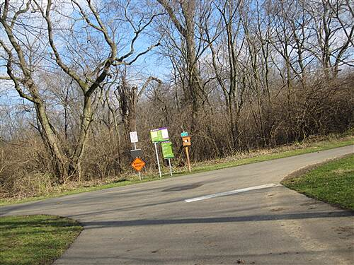 Blacklick Creek Greenway Trail Intersection where three trails meet. From here you can go all the way downtown or to Groveport