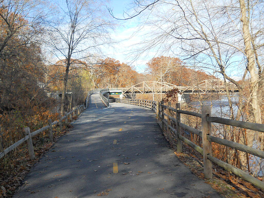 Blackstone River Greenway (MA) Well maintained trail When you come to the fork in the road, take it.