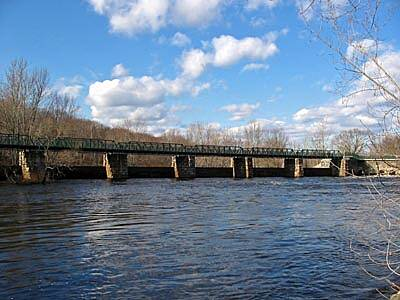Blackstone River Greenway Bridge across the Blackstone River The Blackstone River Bikeway has been extended on the Lonsdale end by approximately one-half of a mile. This new bridge is part of the expansion. There are some great views from the bridge!