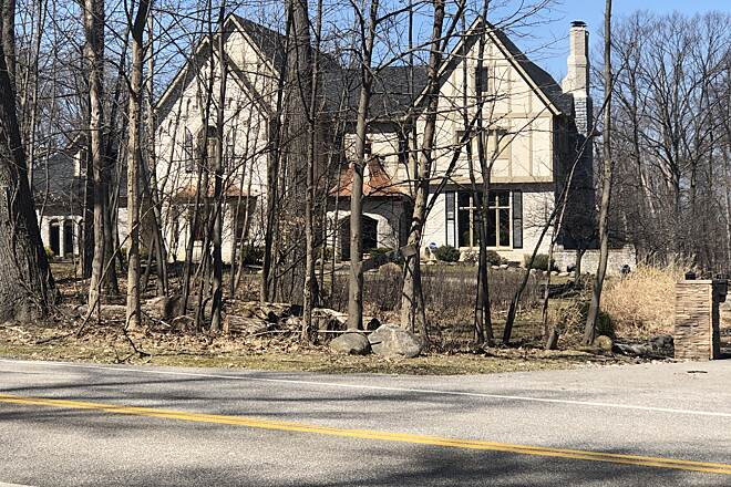 Brecksville Reservation All Purpose Trail One of the Many Stately Homes along the Valley Parkway Connector Many well kept homes are found along this trail route.  March 27, 2019