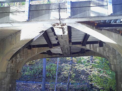 Bronx River Greenway Modern Roadway on Top, Medieval Drawbridge Underneath? Modern Roadway on Top, Medieval Drawbridge Underneath?