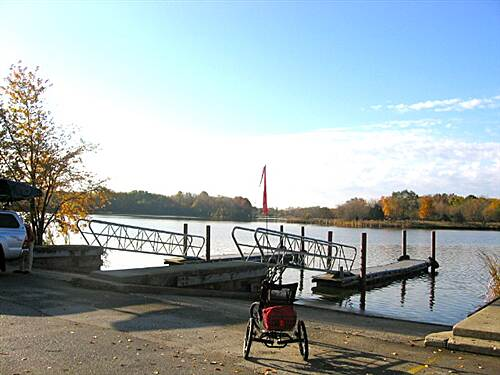 Busse Woods Trail  The largest pond, Busse Lake, is great for canoeing, kayaking and small sail boats.