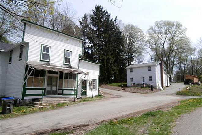 Butler-Freeport Community Trail Old Store Old store, May 2014