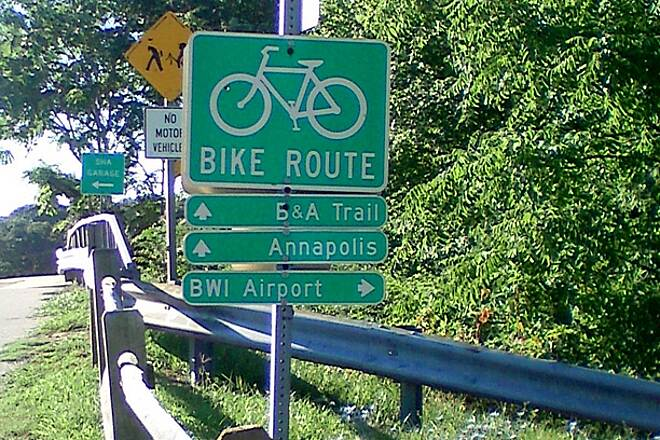 BWI Trail Signs for BWI and B&A trails This sign helps you make the BWI loop, rather than going straight to B&A trail.
