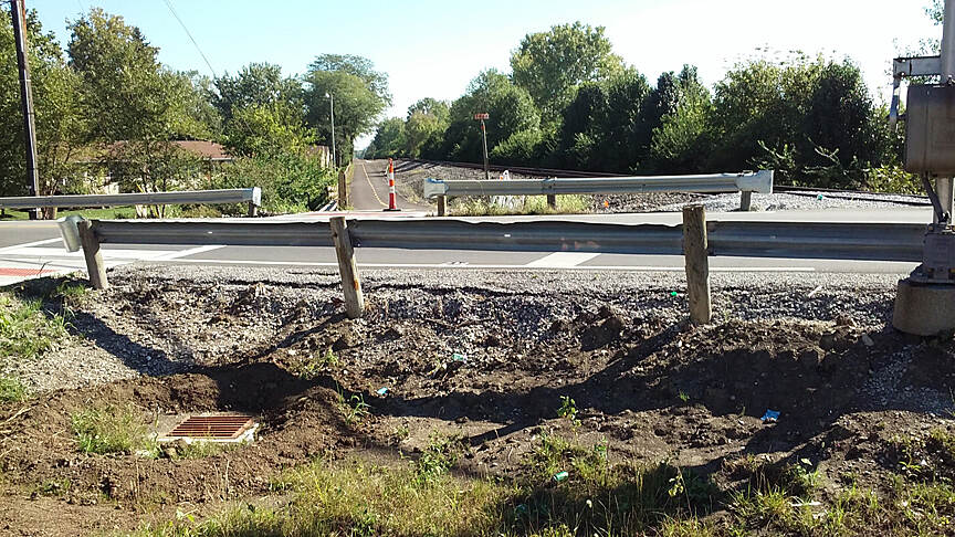 Camp Chase Trail Sept 2015 Eastbound, crossing Norton Rd, crossing still under construction