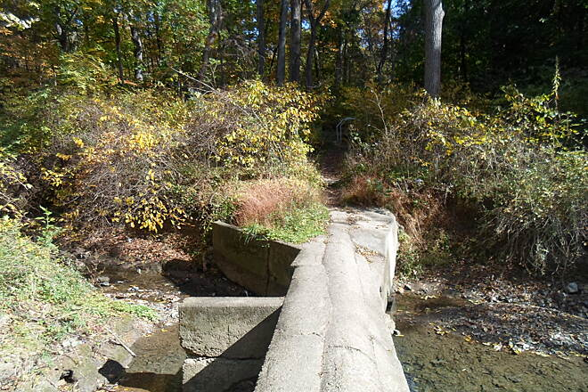Capital Area Greenbelt Capital Area Greenbelt Another footbridge along the branch path between Pembrooke and Paxtang. Unlike the other one, this once does not have any guardrails, and has an uneven concrete surface. Caution should be used, especially in winter or early spring.