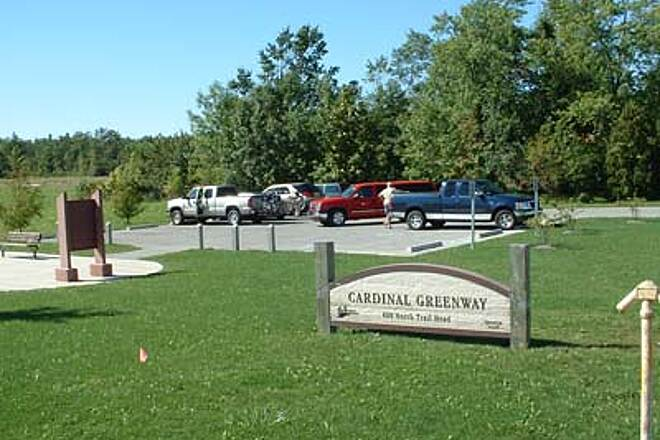 Cardinal Greenway Desirable Amenities Most trailheads are well marked, have ample paved parking, restroom facilities and trail maps.  This is the way it should be done.  (9/27/05)