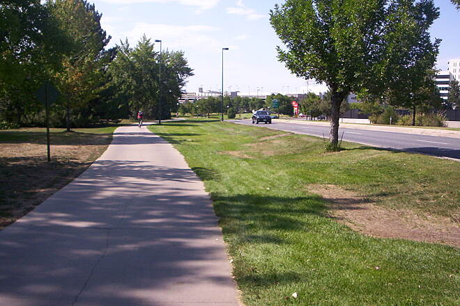 Cherry Creek Regional Trail Mall Near Cherry Creek Mall