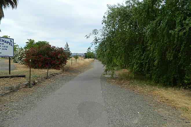 Chico Airport Bike Path Chico Airport Trail Heading towards Eaton Road