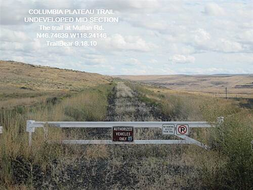 Columbia Plateau Trail State Park COLUMBIA PLATEAU TRAIL - Washtucna Trail crossing Mullan Rd.