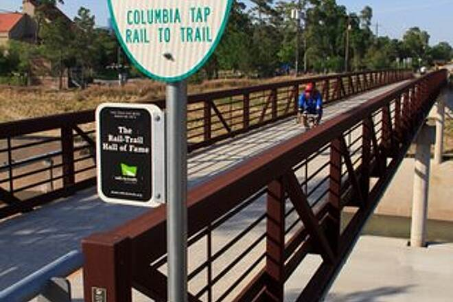 Columbia Tap Rail-Trail Columbia Tap at Brays Bayou