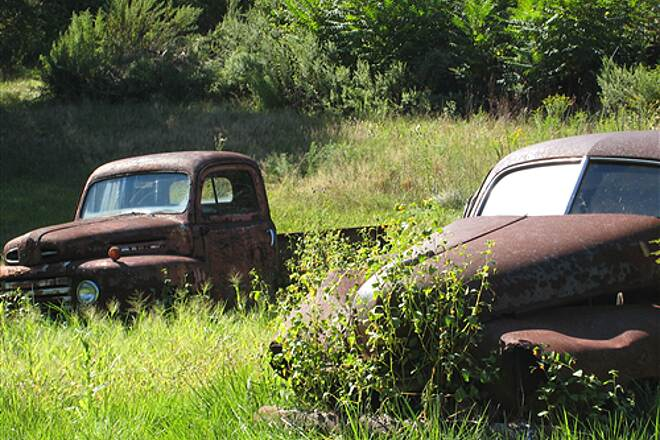 "Columbia Trail ""Scenic"" Junkyard Auto junkyard next to trail provides interesting photo opportunities"