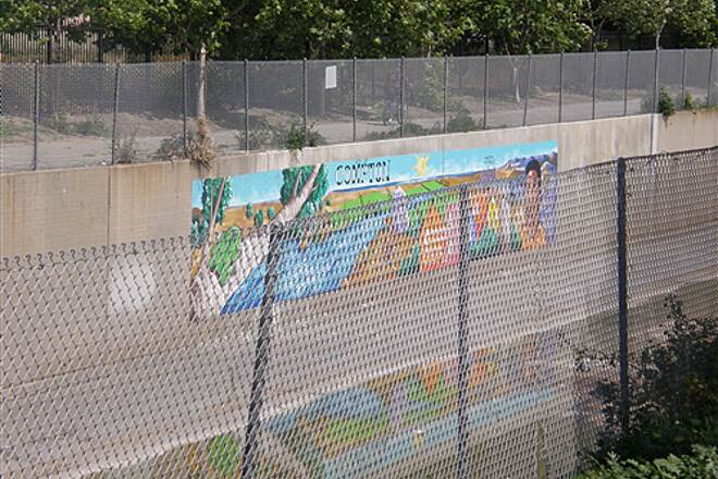 Compton Creek Bike Path Compton Creek Bike Path Mural Mural