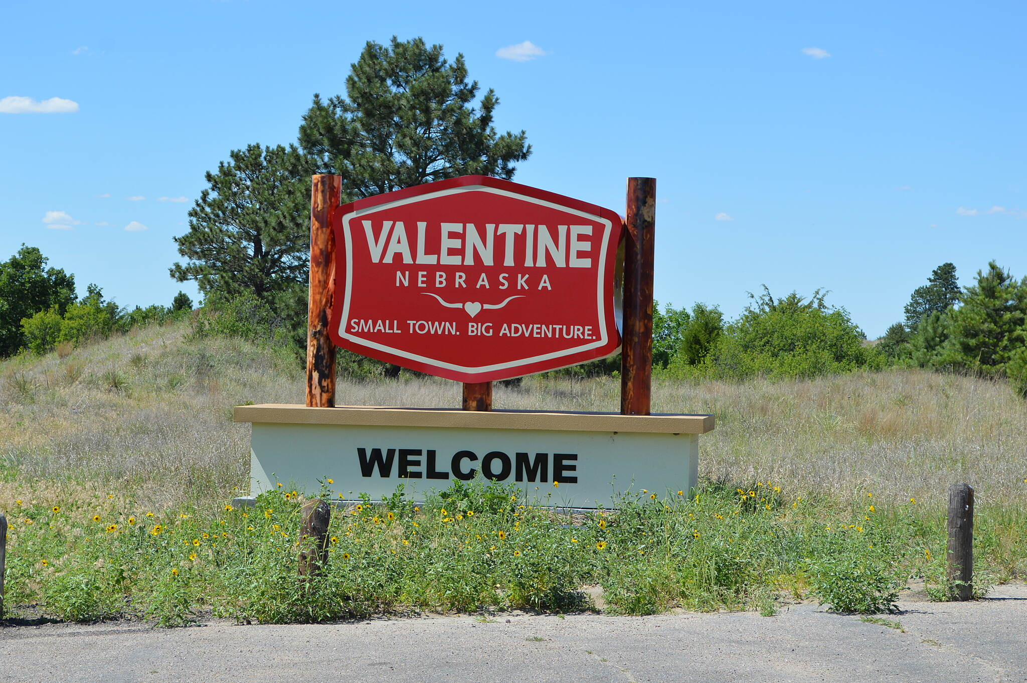 Cowboy Recreation and Nature Trail Valentine Nebraska Easy access to the large bridge before entering Valentine.