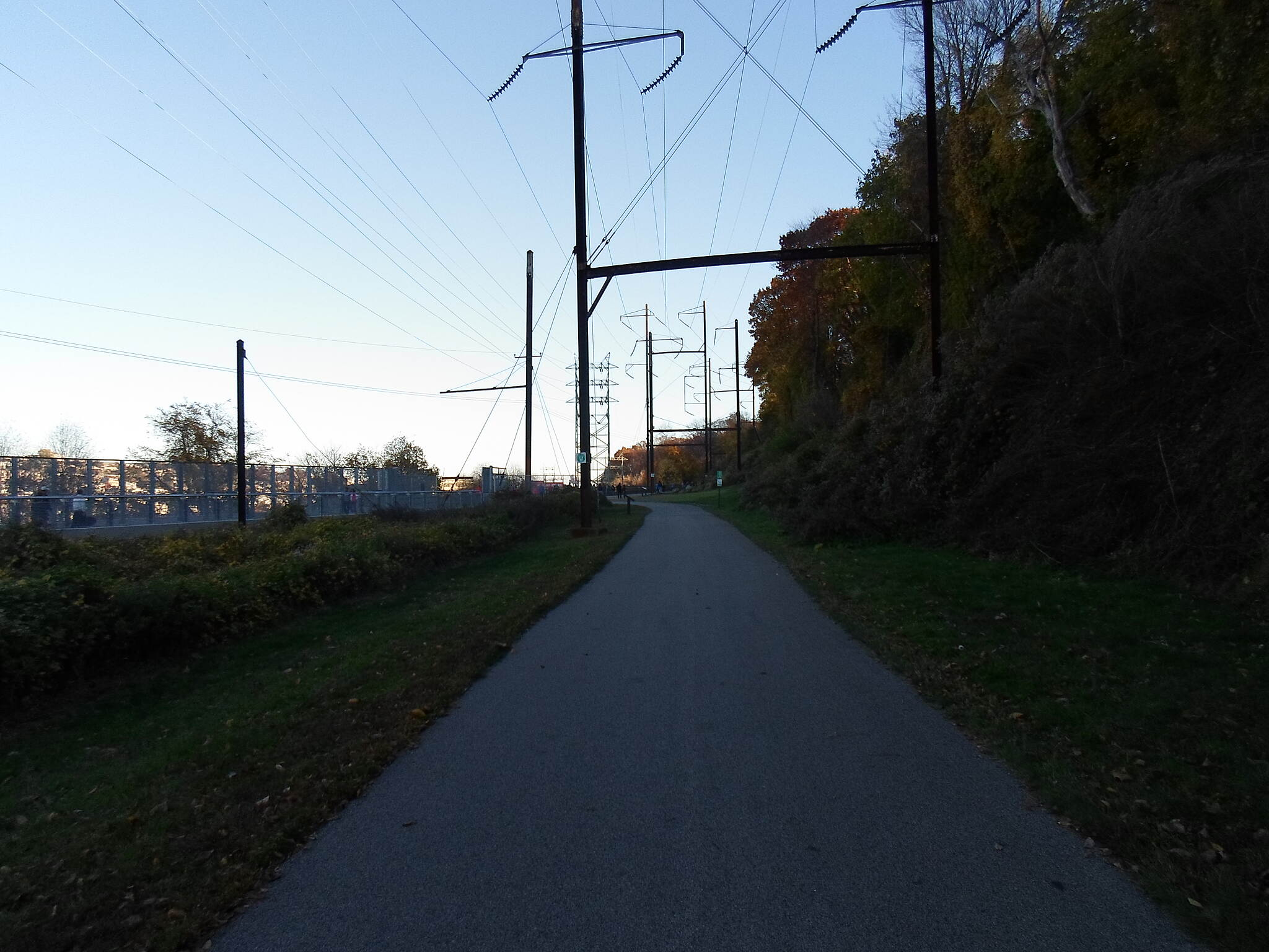 Cynwyd Heritage Trail Cynwyd Heritage Trail Approaching the junction with the Manayunk Bridge, which can be seen on the left.