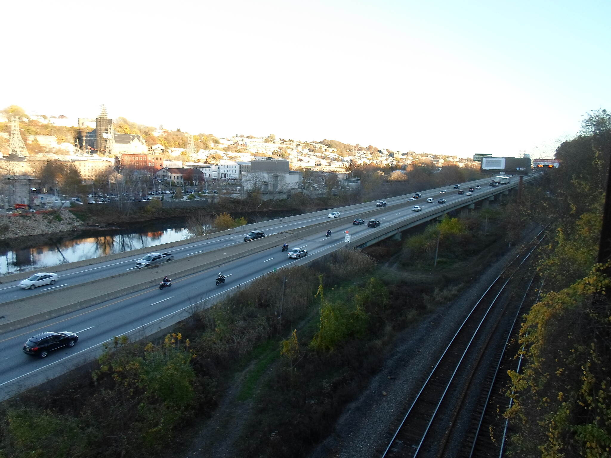 Cynwyd Heritage Trail Cynwyd Heritage Trail Schuylkill River, Schuylkill Expressway and RR lines, all side by side and visible from the trail neat the Manayunk Trestle. Taken Nov. 2015.