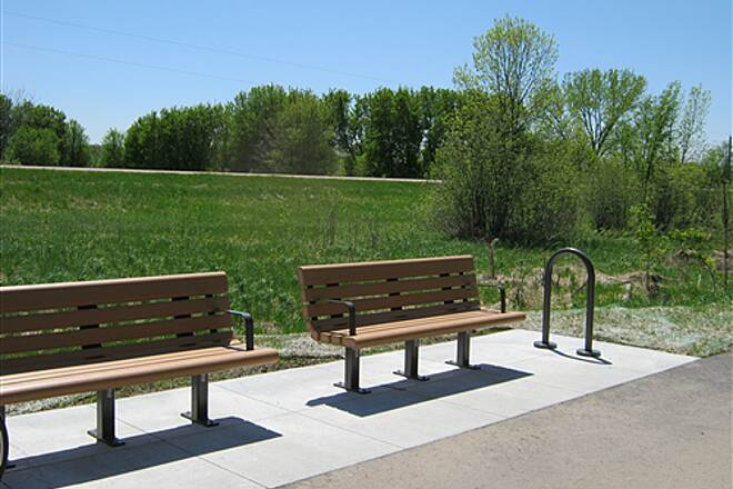 Dakota Rail Regional Trail   Sunny Rest Stop