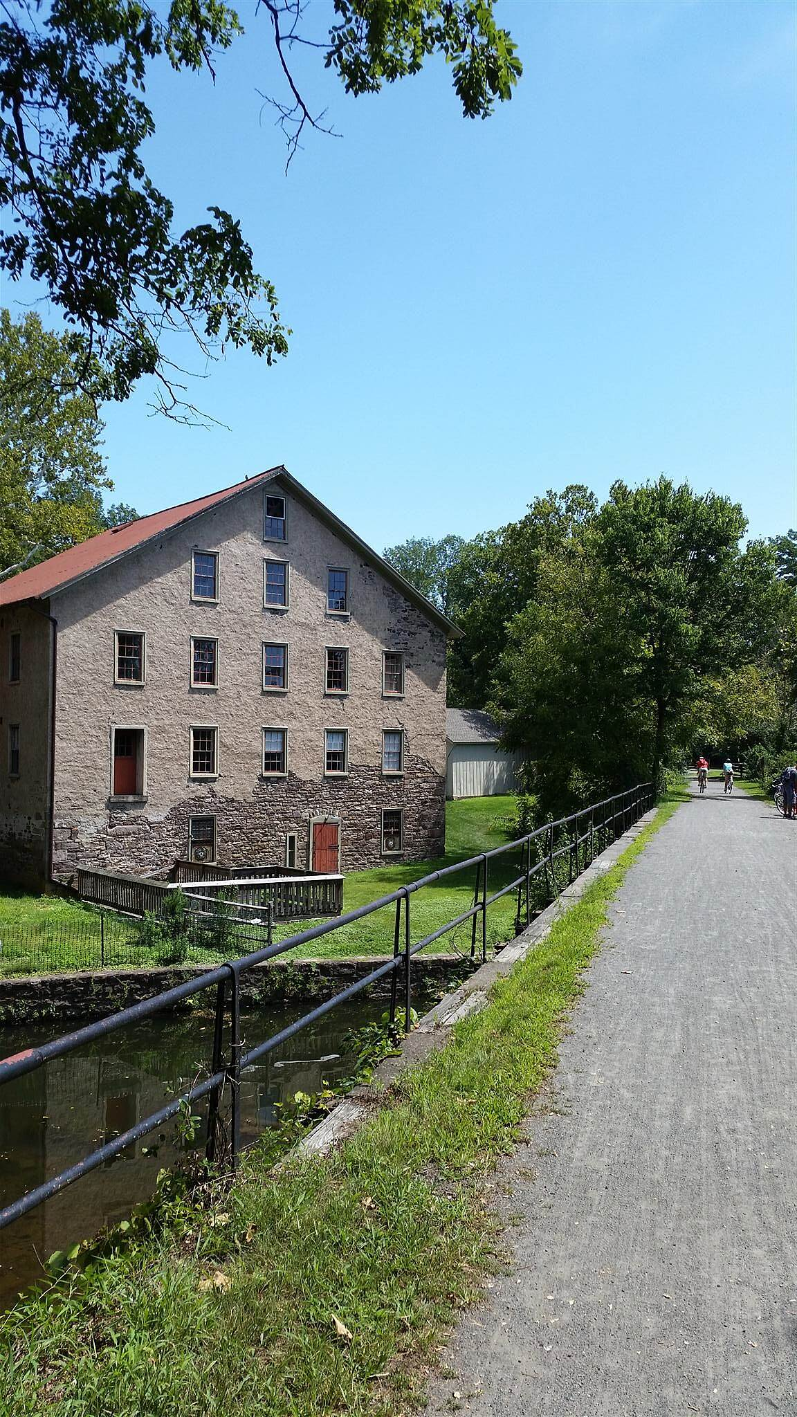 Delaware and Raritan Canal State Park Trail Photo by hmichig