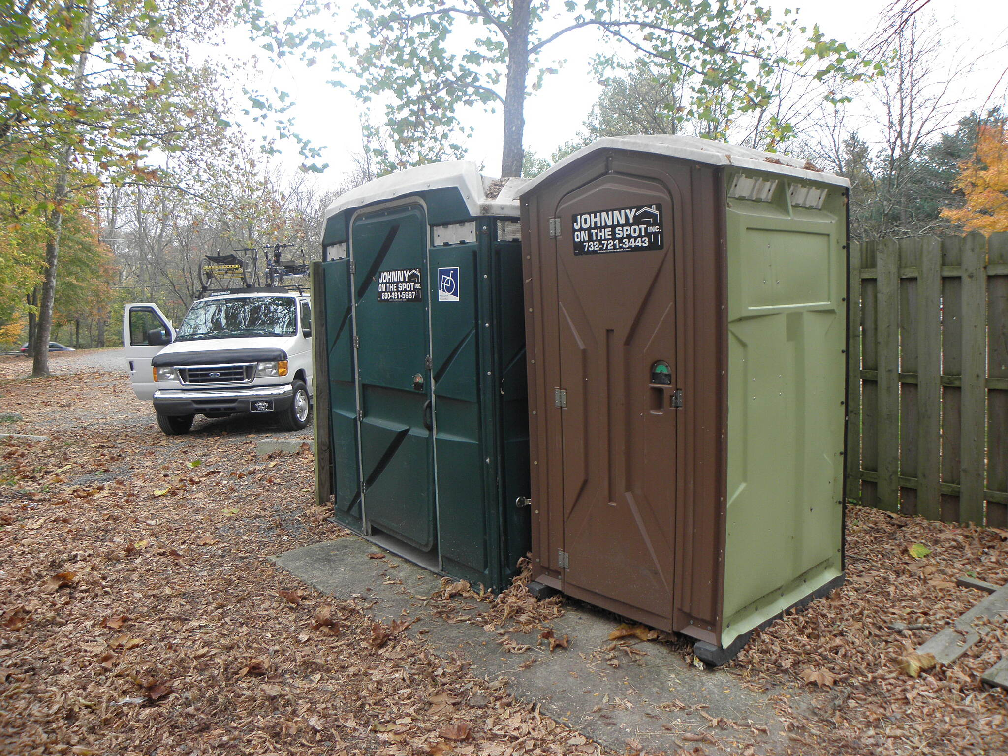 Delaware and Raritan Canal State Park Trail Toilet facilities can be found at most trailheads.