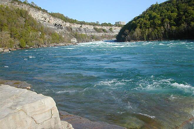 Devil's Hole Trail A view of the Lower Niagara River from Water Level This pic was taken at the mouth of the whirlpool