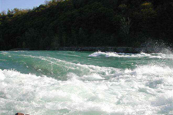 Devil's Hole Trail The sheer power of the Niagara River