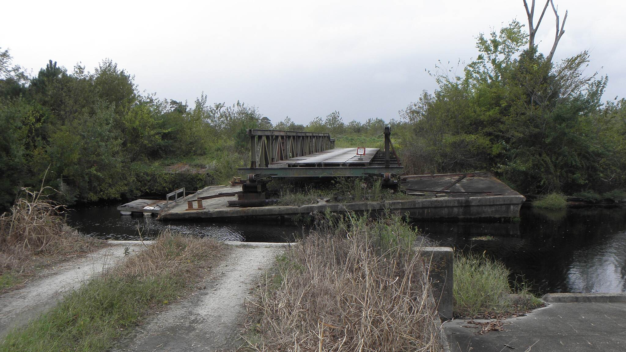 Dismal Swamp Canal Trail (VA) Private canal bridge Can be extended over canal when needed.