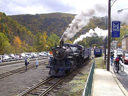 D&L Trail D&L Trail Lehigh Canal (North) October 10, 2009 View of steam engine in Jim Thorpe.