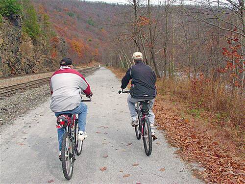 D&L Trail   Bill and Lee on the trail