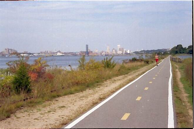 East Bay Bike Path Nice View of Providence The trail begins outside of Providence on the Narragansett Bay.