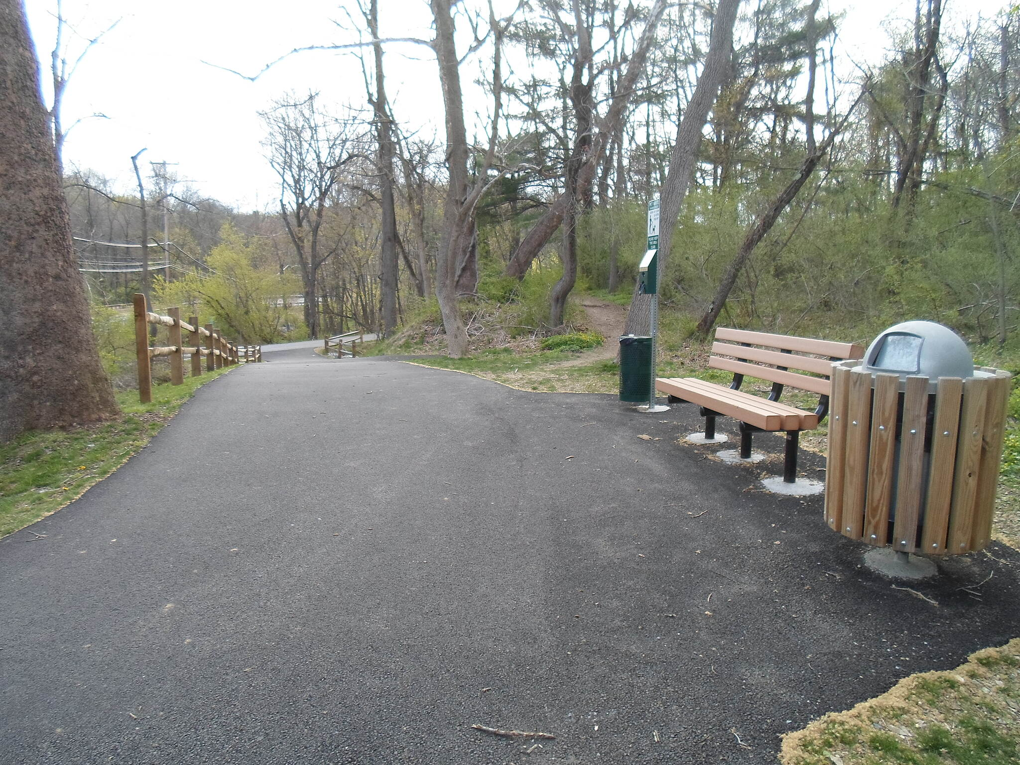 East Branch Brandywine Trail East Branch Brandywine Trail Bench and trash can near the trail's southern terminus. Taken April 2015.
